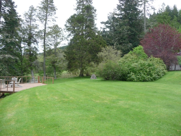 Boleskine House yard